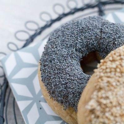 Küchen-Miezen · Back- & Foodblog · Sesam-Bagel & Mohn-Bagel Rezept