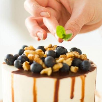 Küchen-Miezen · Back- & Foodblog · Rezept · Walnuss Biskuit Schokoladen-Frischkäse Törtchen