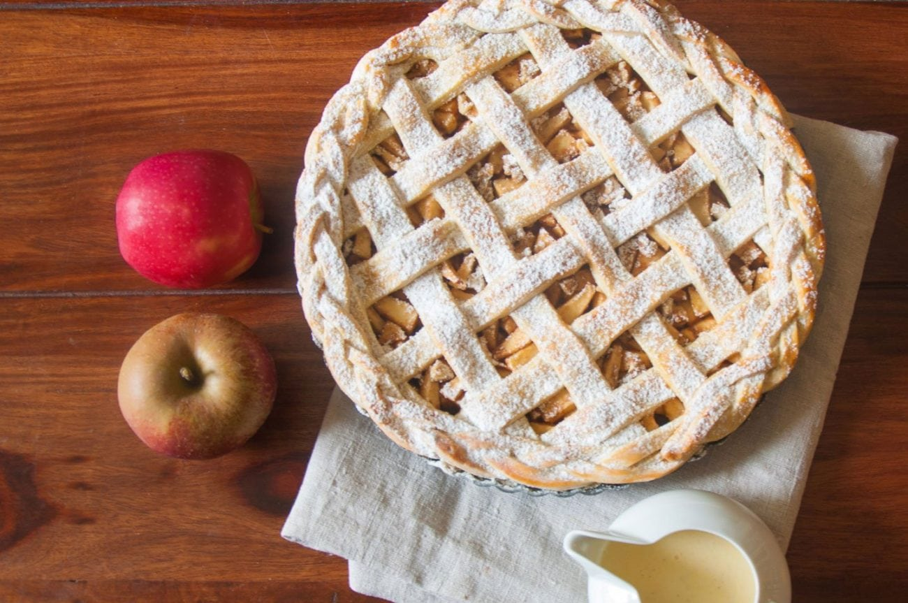 Apfel-Tarte mit Vanillesoße