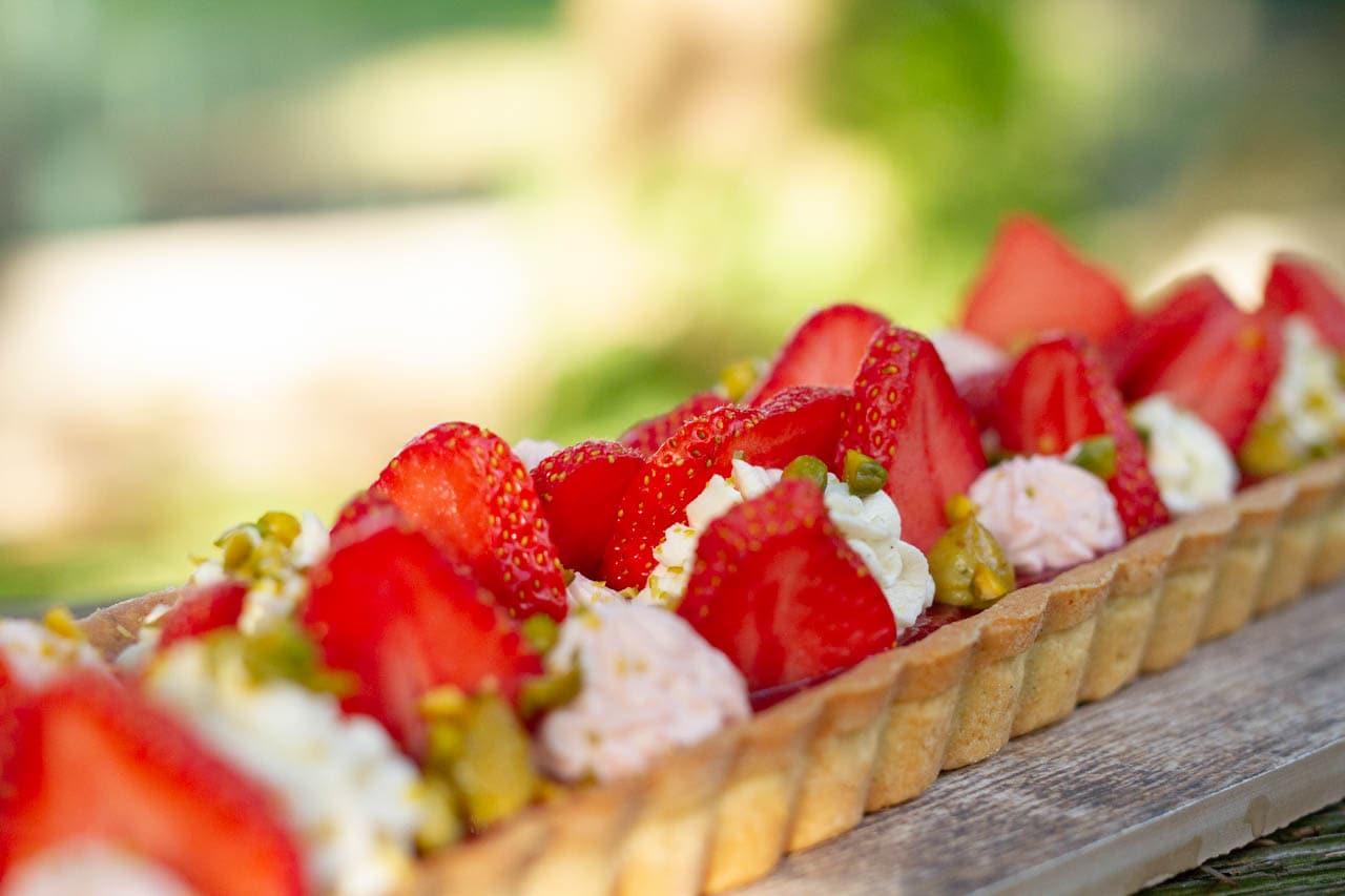 Erdbeer-Tarte mit Pistazien
