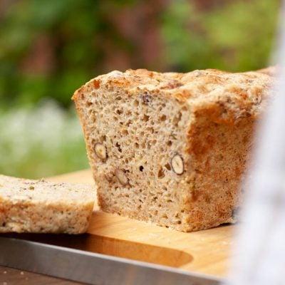 Küchen-Miezen · Back- & Foodblog · Rezept Zucchini-Dinkel-Brot mit Nüssen