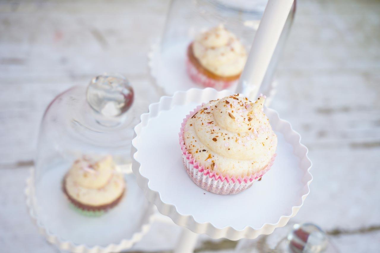 rezept mini honig zimt cupcakes k chen miezen back. Black Bedroom Furniture Sets. Home Design Ideas