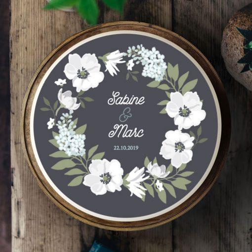 Küchen-Miezen · Essbares Tortenbild & Tortenaufleger selbst gestalten · Konfigurator · Design-Vorlage · 012 Feiner Blumenkranz · Schieferoptik