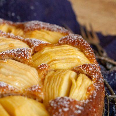 Küchen-Miezen · Back- & Foodblog · Rezept: Versunkener Apfelkuchen mit Zwieback