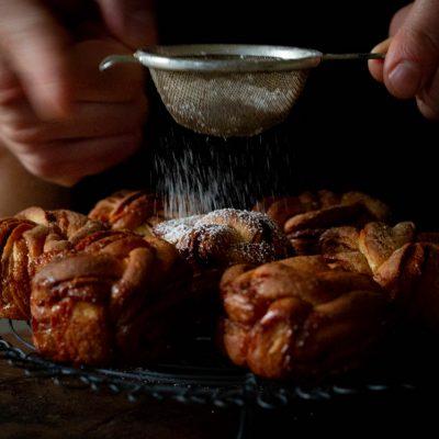 Küchen-Miezen · Back- & Foodblog · Rezept: Zimtknoten / Zimt-Hefe-Cupcakes / Zimt-Babka / Hefeteig